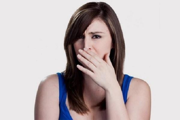 Почему выделения пахнут луком у женщины 19