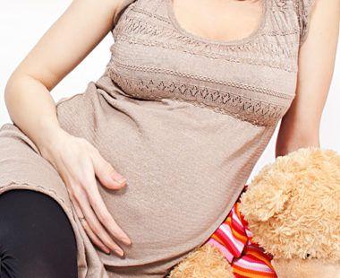 Причины бежевых выделений при беременности