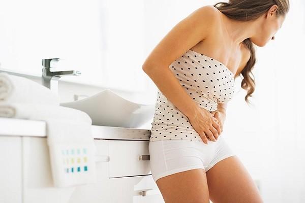 Боли внизу живота и выделения у женщин в возрасте
