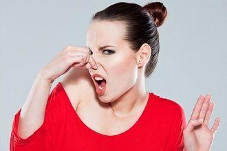 Вероятные причины появления у женщин выделений с запахом аммиака