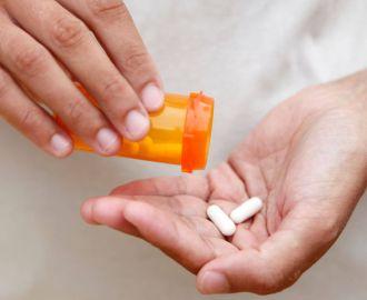 Почему возникает молочница после лечения антибиотиками?