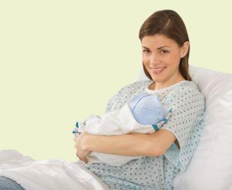Сколько длятся выделения после родов, и какие они должны быть?