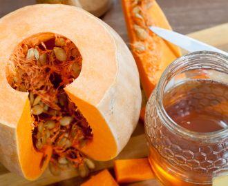 Как лечить простатит с помощью тыквенных семечек с медом?