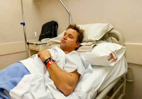 Как проводится операция по удалению гидроцеле (водянки яичка) у мужчин, какие показания и последствия?